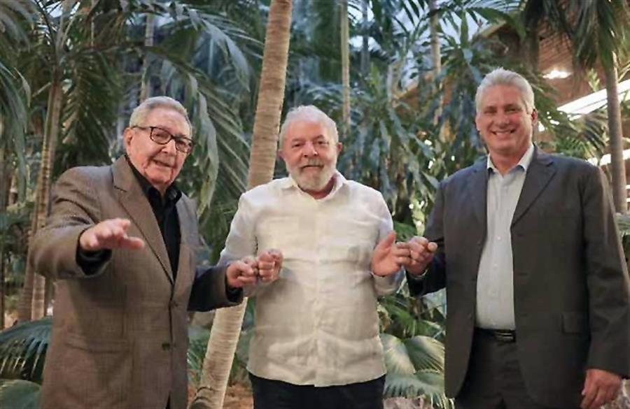 Raúl Castro y Díaz-Canel reciben a Lula en La Habana